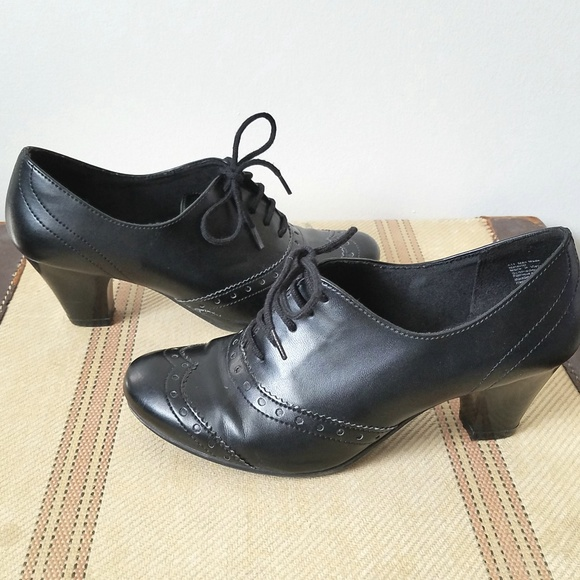 Predictions Black Laced Heeled Oxford